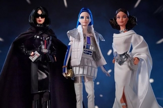 poupee barbie star wars darth vader r2 d2 leia 01 331x219 - Star Wars avec Barbie en Darth Vader, Leia et R2-D2