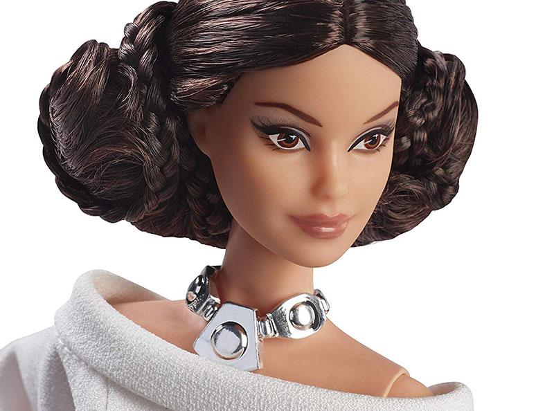 poupee barbie star wars darth vader r2 d2 leia 08 - Star Wars avec Barbie en Darth Vader, Leia et R2-D2
