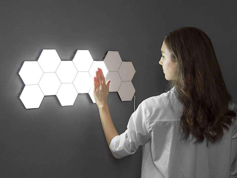 Quantum Lampe, Quantum, Lampe Hexagonale Tactile et Modulable (video)