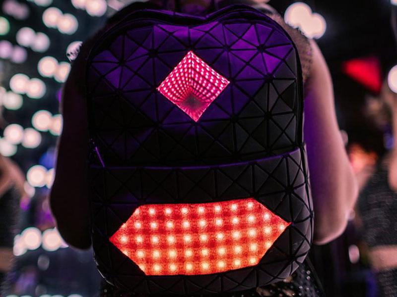 sac à dos connecté Lampes LED, Sac à Dos Connecté à Lampes LED, le Must Have de la Rentrée