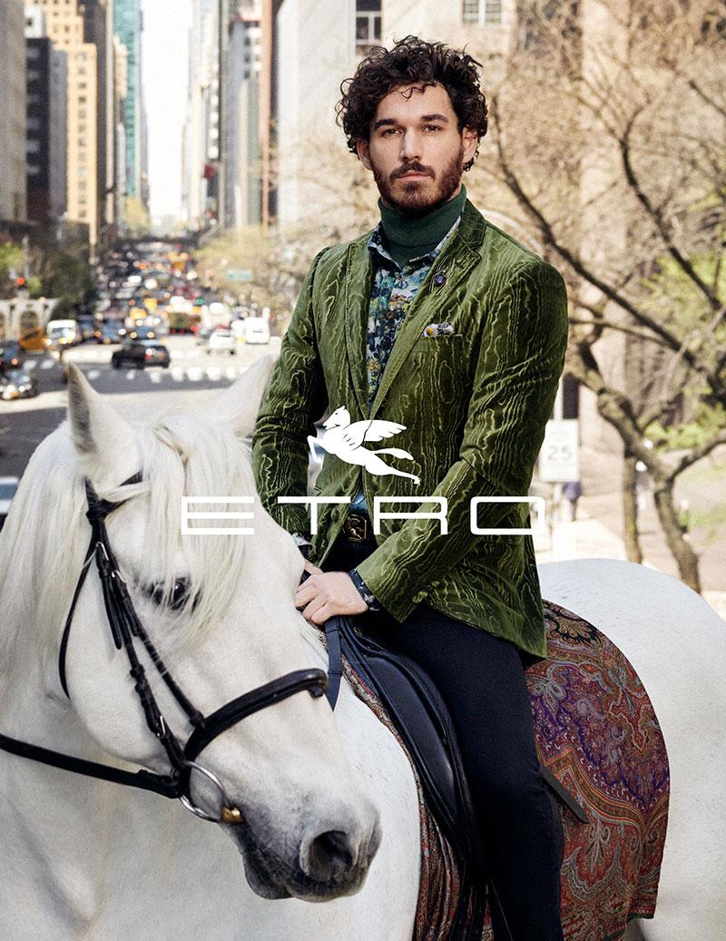 Etro campagne, La Griffe Italienne Etro en Visite à Manhattan pour l'Hiver