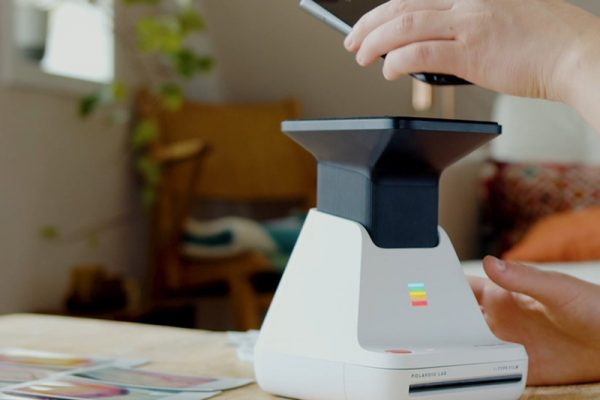 polaroid lab imprimante photo papier smartphone 03 600x400 - Avec Lab, le Polaroid Devient Imprimante pour Smartphone