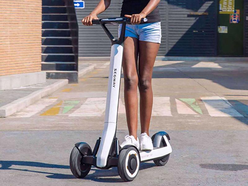 Segway Ninebot KickScooter T60, Trottinette Electrique Autonome qui se Range toute Seule (video)