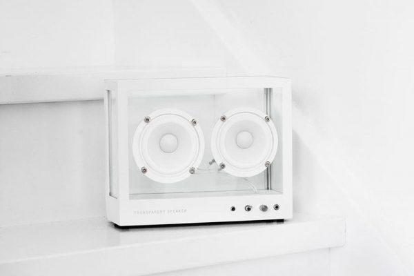 transparent sound enceinte verre bluetooth wifi 01 600x400 - Enceinte Transparente sans Fil au Design Modulable