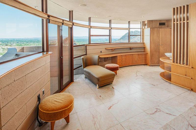 Frank Lloyd Wright Circular Sun House, La Maison The Circular Sun House de Frank Lloyd Wright aux Enchères
