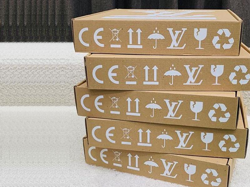 Louis Vuitton, Louis Vuitton Vend une Horloge qui tourne à l'Envers