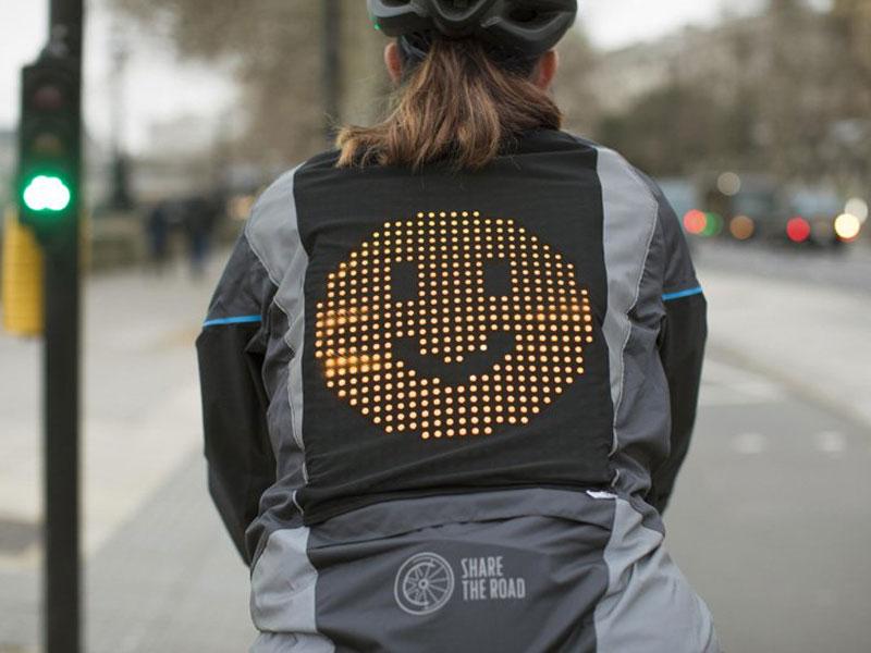 ford blouson, Ford Emoji Jacket, le Blouson à LED qui Affiche votre Humeur (video)