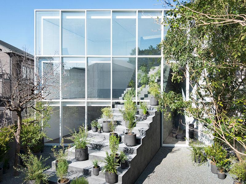 maison Nendo, Maison dont l'Escalier s'Envole vers le Ciel de Tokyo par Nendo