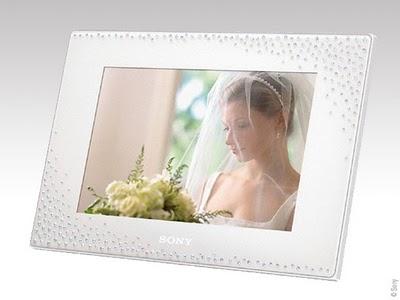 275cb14665f025321649a5a80a4a9f0c - Sony Swarovski : Cadre Numerique de Luxe