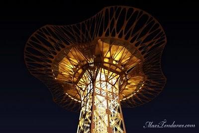 , La Tour Eiffel Couronnée pour ses 120 ans !