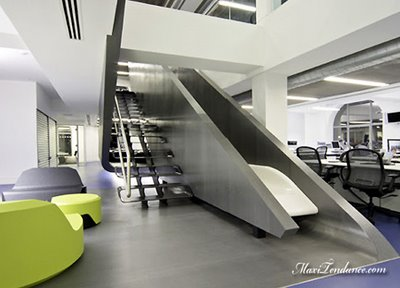 , QG Red Bull a Londres : Design et High Tech